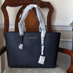 Michael Kors Jet Set Top Zip Saffiano -Navy